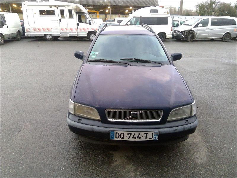 VOLVO V40 I